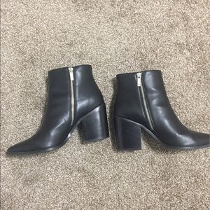 Lovely Urban Outfitters Black Leather Witchy Boots